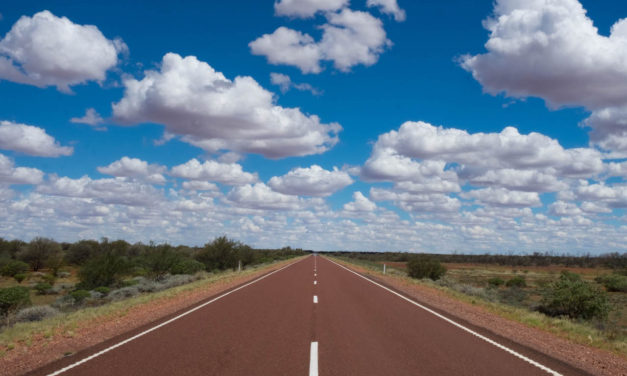 Driving to Uluru (Ayers Rock): Tips and Safety
